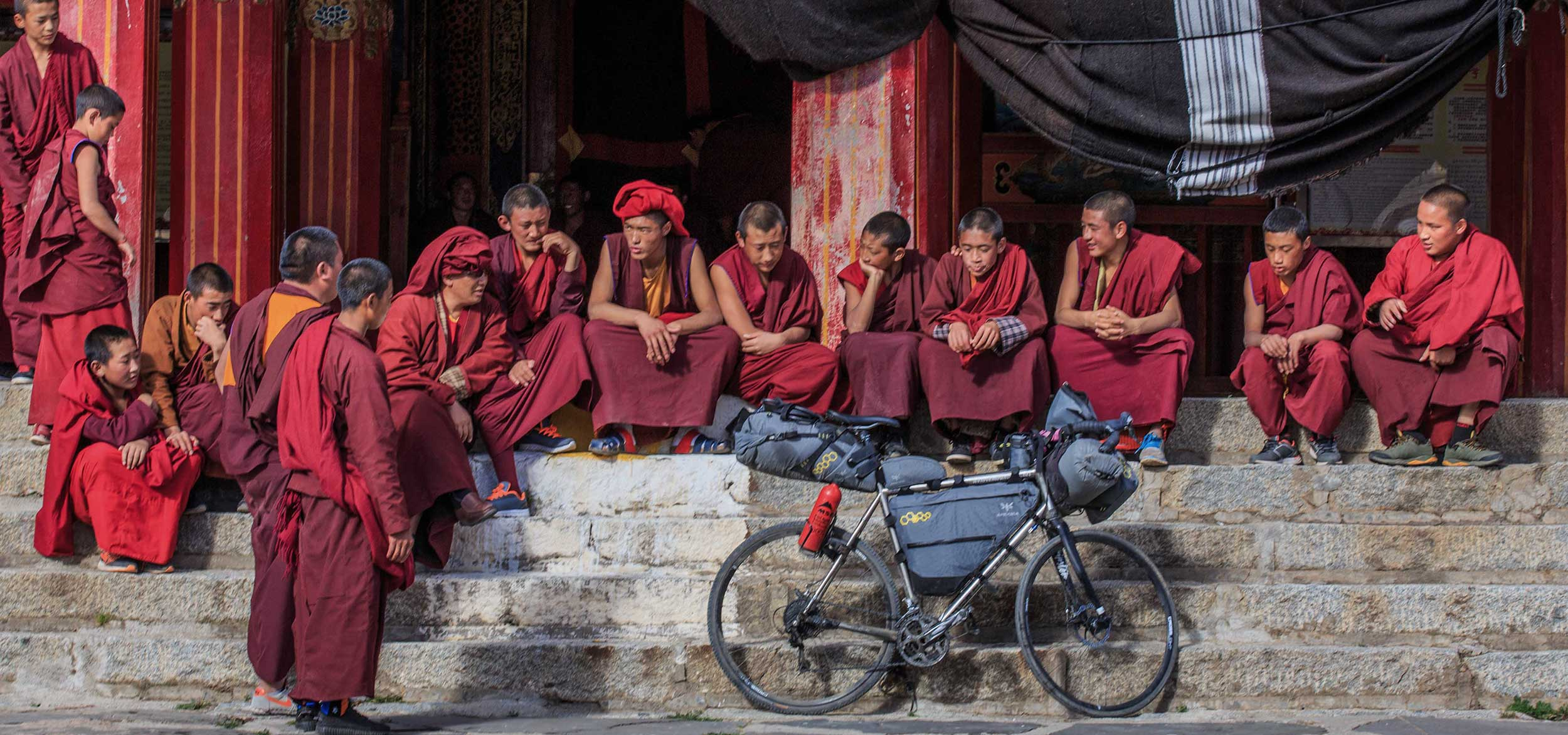 how to manage Visas for bike tours - apidura guide