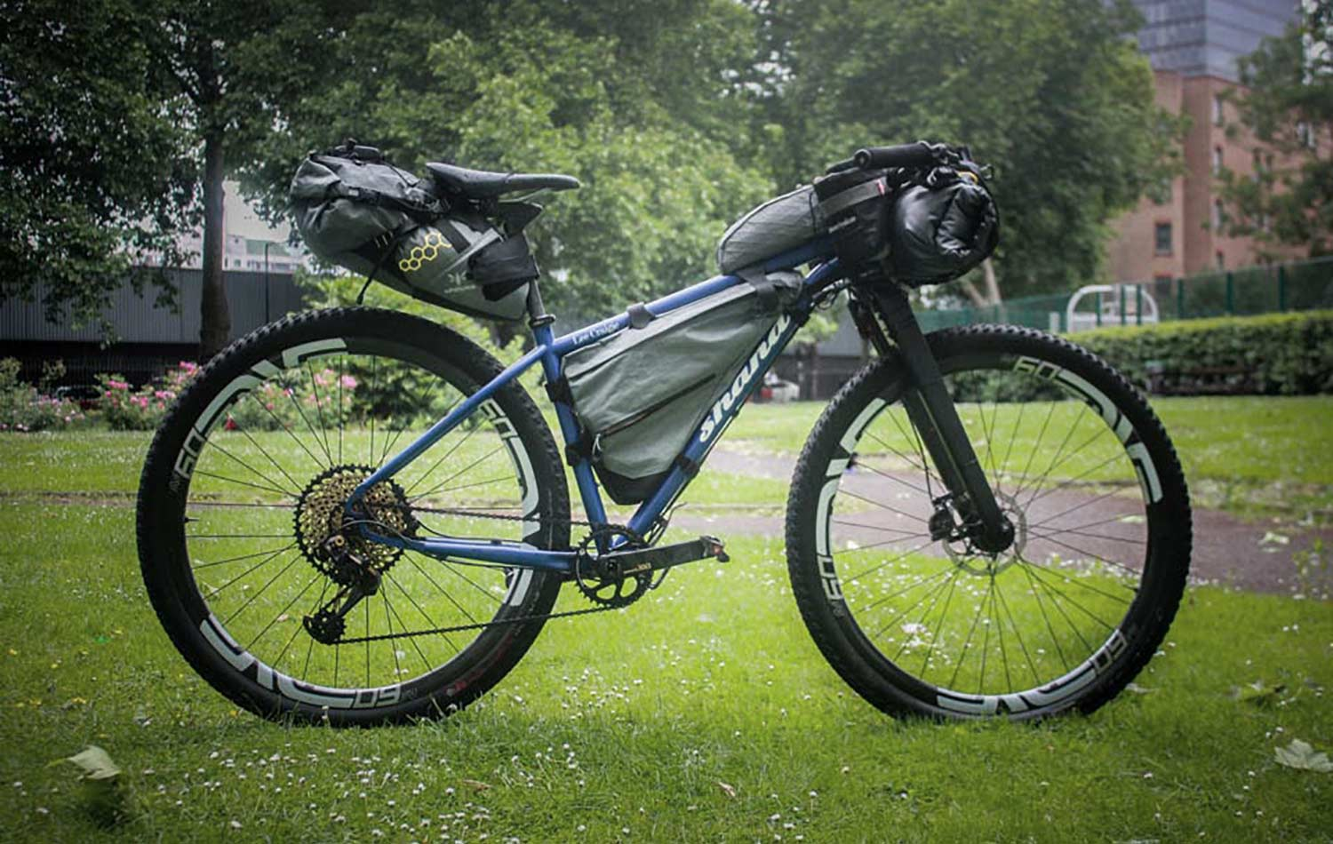 lee craigie bike for tour divide with apidura bags