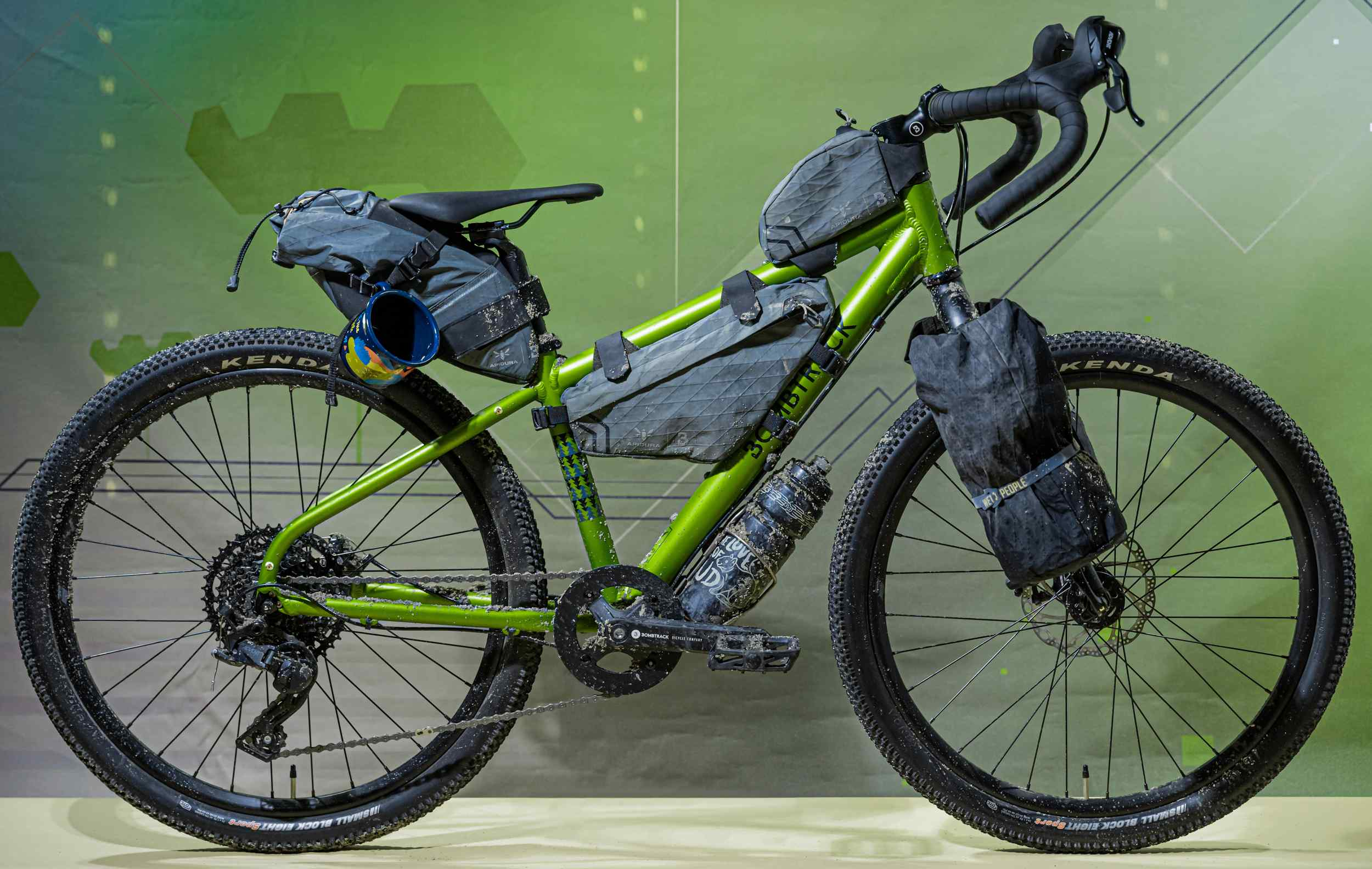 Bombtrack Beyond Junior with Apidura Packs