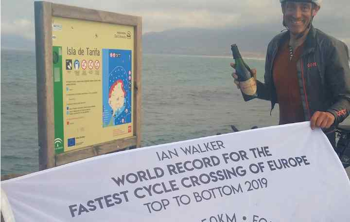 Ian Walker celebrating his new record at Tarifa