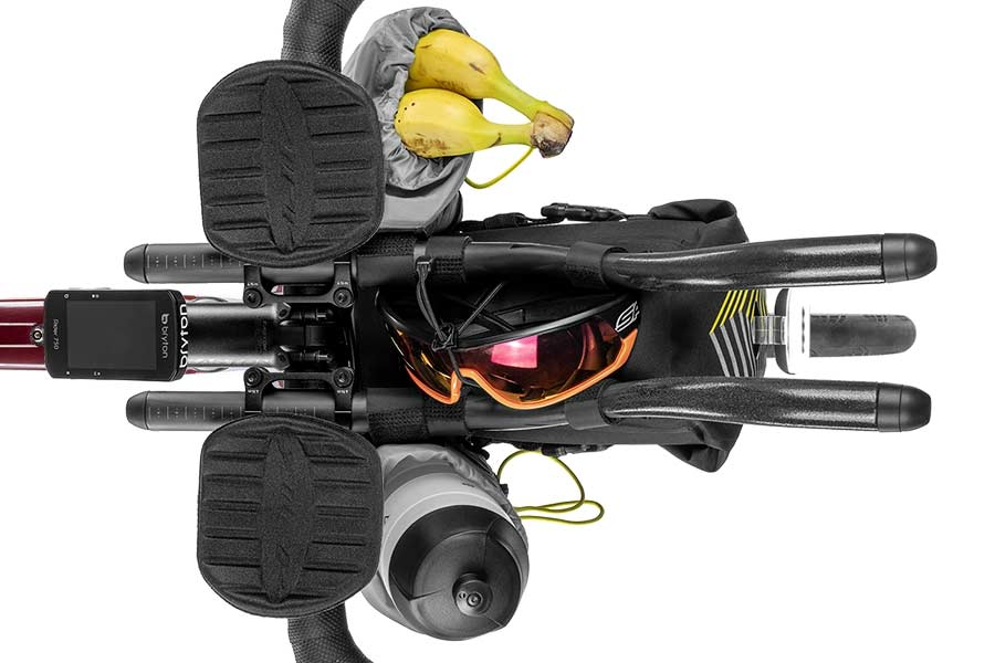 Racing Aerobar Pack combined with two food pouches for a versatile setup