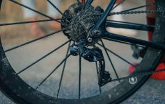 A closeup view of Ulrich's new derailleur at the finish line